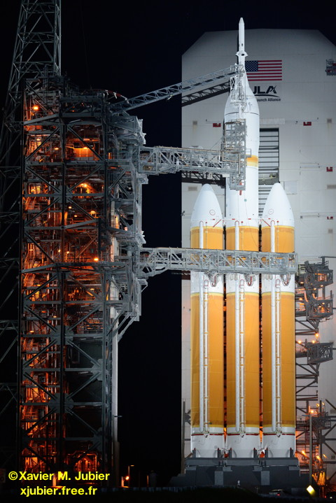 Delta IV Heavy Nuit Pas Tir SLC-37B Mission Premier Essai Vol Exploration Orion