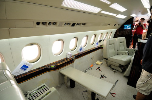 Removal Seat Table Falcon 900B Front Cabin
