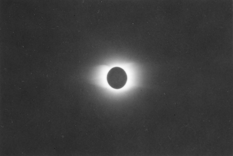 Eclipse Totale Soleil 1945 Pine River Manitoba Canada Couronne Solaire