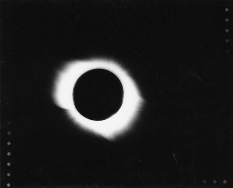 Eclipse Totale Soleil 1945 Pine River Manitoba Canada Couronne Solaire Moyenne